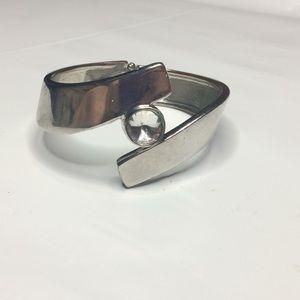 Jewelry - Claps studded bracelet (gtf)